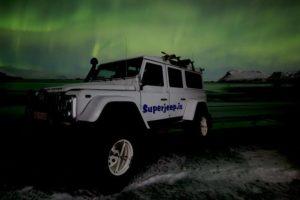 Sperjeep - northern lights- Iceland